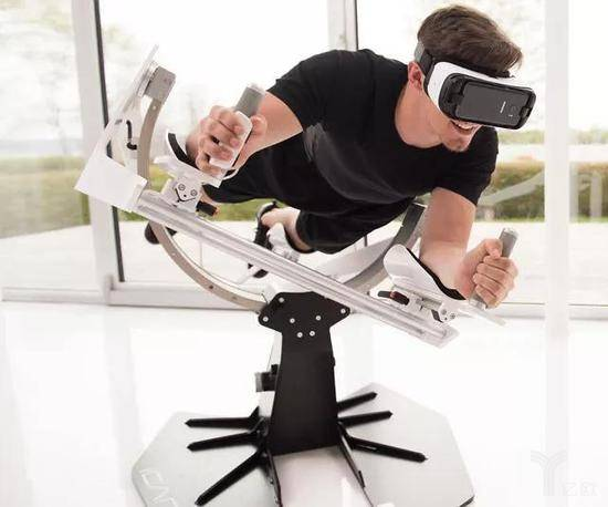 VR飞行.jpg
