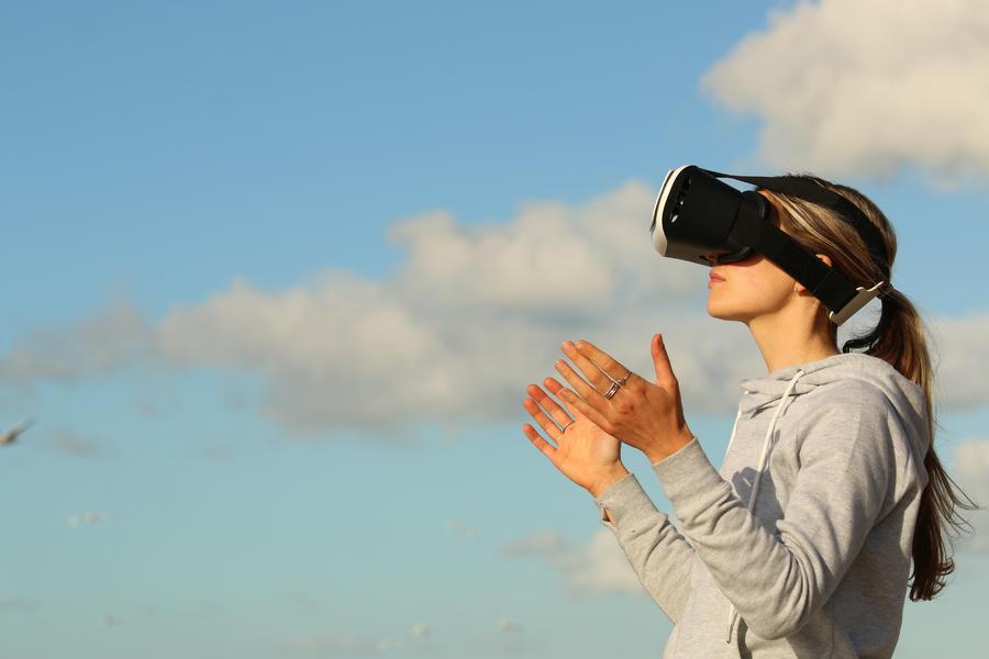 VR,智能可穿戴设备,数据养料,视觉交互,减熵式增长