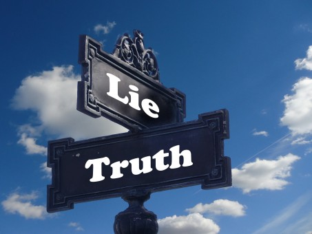 truth_lie_street_sign_contrast_contrary_note_direction_possible-992335.jpg