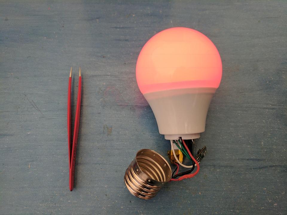 bulb-2388828_960_720.jpg