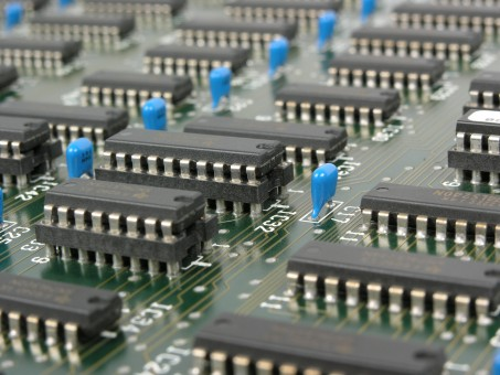 mother_board_electronics_computer_board_components_chips_technology_main_board-768264.jpg