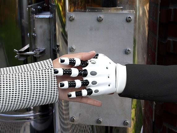 """造智能机器人不只难在芯片,还有这些""""卡脖子""""难题"""