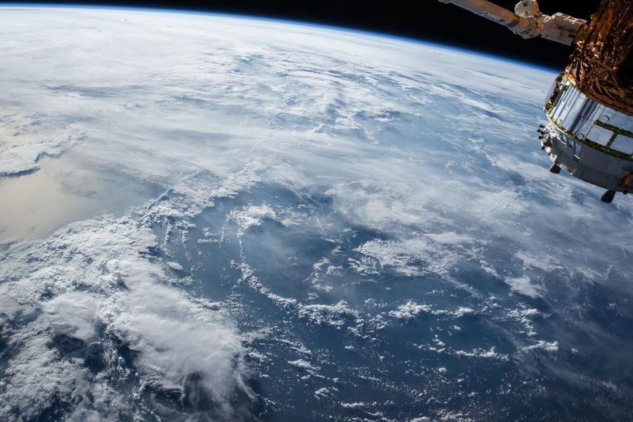 地球上空的卫星,遥感卫星,遥感,云计算,云服务,华为云
