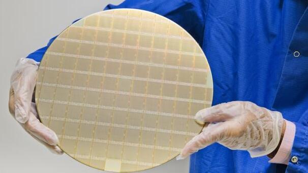 IBM最新数据中心处理器芯片交由三星进行制造