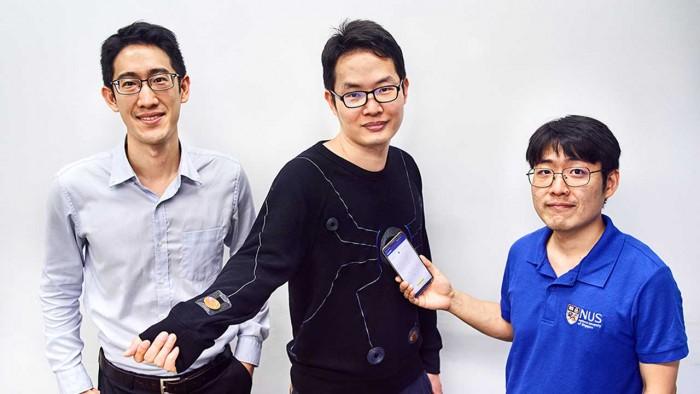 研究人员开发出了一种由智能手机无线供电的智能服装