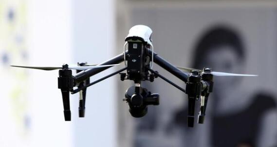 沃尔玛尝试使用无人机运送新冠检测试剂盒