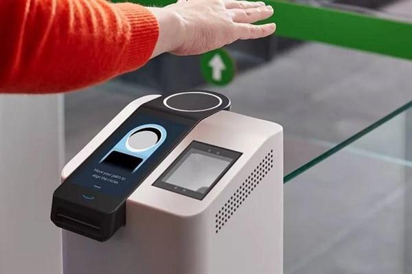 亚马逊推出Amazon One掌纹识别技术:抬手即支付