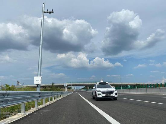 首条支持高级别自动驾驶的高速公路通车 已完成L4级车路协同联调
