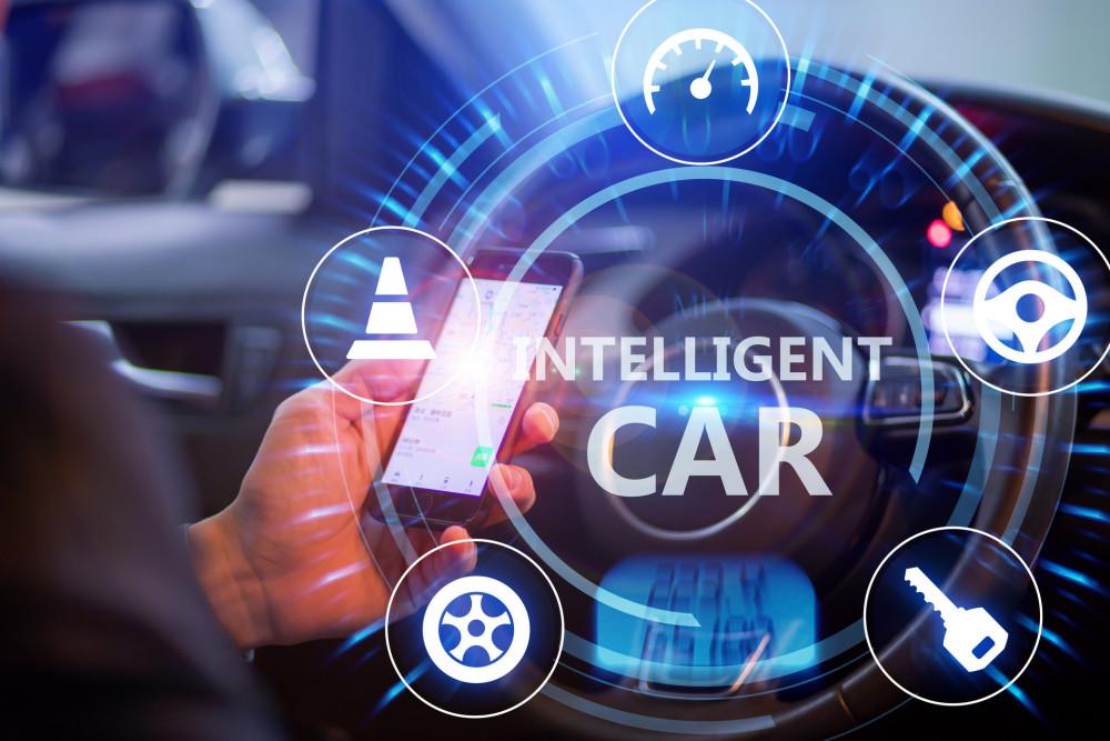 智能驾驶陷入路线之争:是学苹果还是效仿安卓?